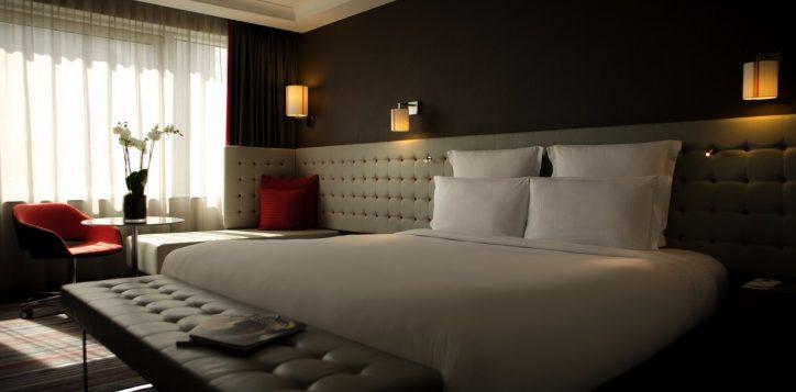 rooms-suites-background